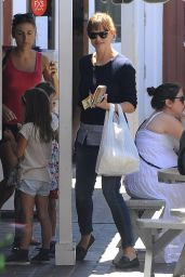 Jennifer Garner Out in Brentwood, August 2014