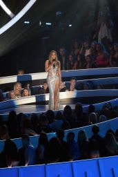 Jennifer Lopez Performs at 2014 MTV Video Music Awards