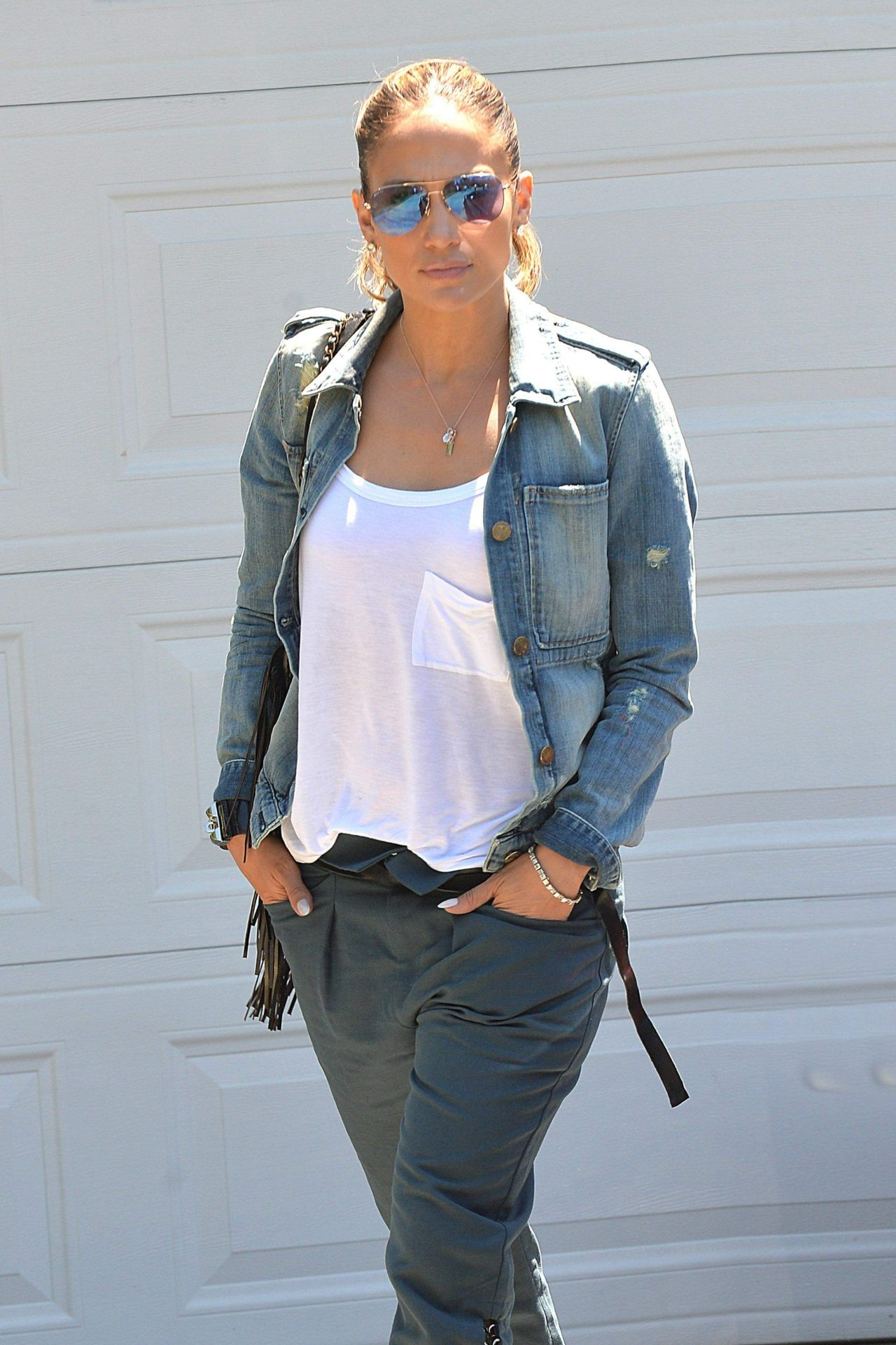 jennifer lopez style out in brentwood august 2014