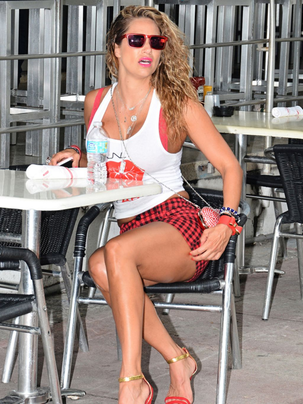 Jennifer Nicole Lee Legs - Out in South Beach - August 2014