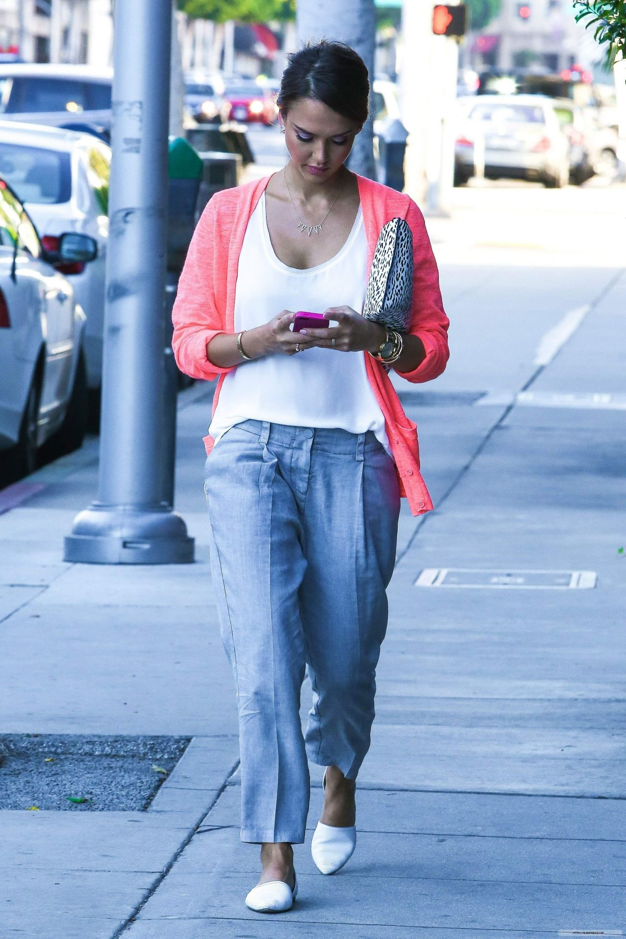 Jessica Alba Street Style Out In Beverly Hills August 2014