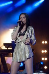 Jessie J Performs at Sandown Park Racecourse in Surrey - August 2014