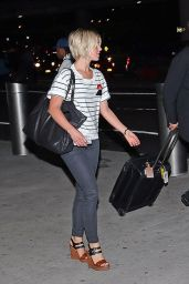 Julianne Hough at LaGuardia Airport in New York City - Aug. 2014