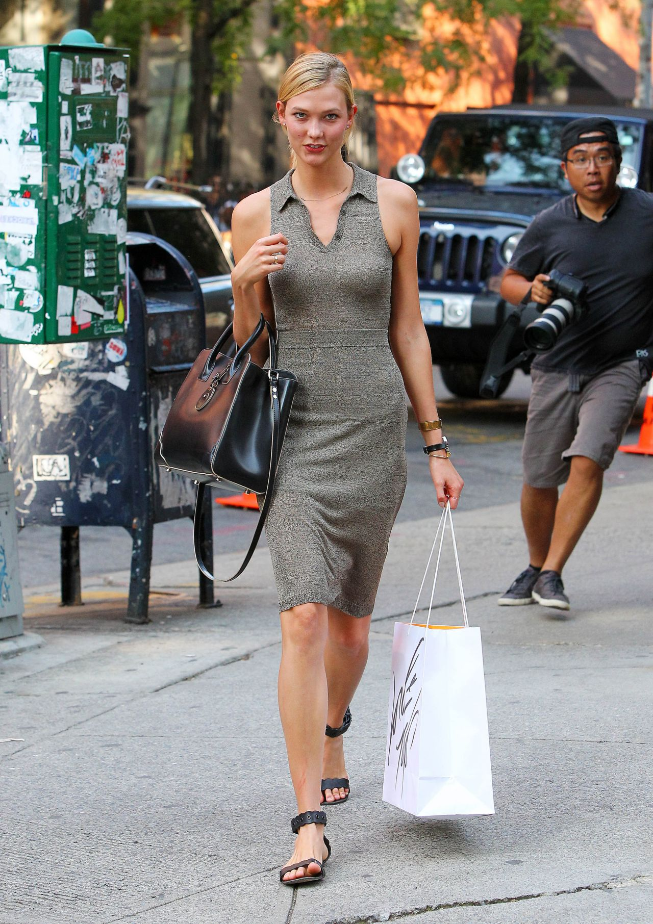 Karlie Kloss Style - Leaving Taylor Swift