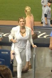 Kate Upton at the Yankees vs. Tigers Game in New York City - August 2014