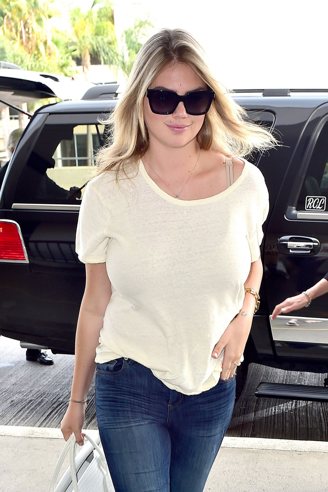 Kate Upton in Jeans - Arriving at LAX Airport in Los Angeles - August 2014