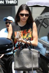 Kendall Jenner in Kiss T-Shirt - Having Lunch in Westwood - August 2014