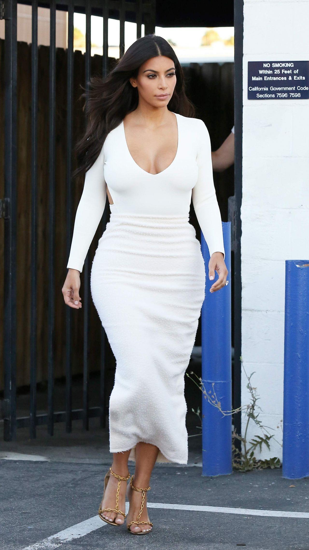 Kim Kardashian In Backless White Dress Hollywood August