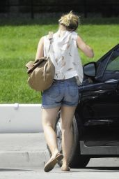 Kristen Bell - Arriving at the Pacific Design Center in West Hollywood - Aug. 2014