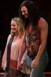 Kristen Bell Performs 'Hair' Onstage at the Hollywood Bowl – August 2014