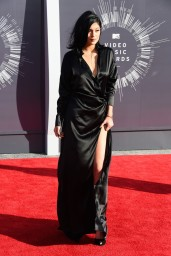 kylie-jenner-2014-mtv-video-music-awards-in-inglewood_4
