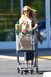 LeAnn Rimes in a Long Dress - Shopping in Calabasas - Aug. 2014