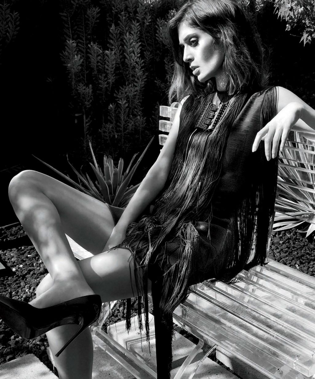 Lizzy Caplan - LA Confidential Magazine - September 2014