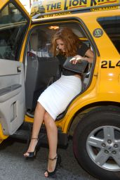 Maria Menounos Casual Style - Out in New York City - August 2014