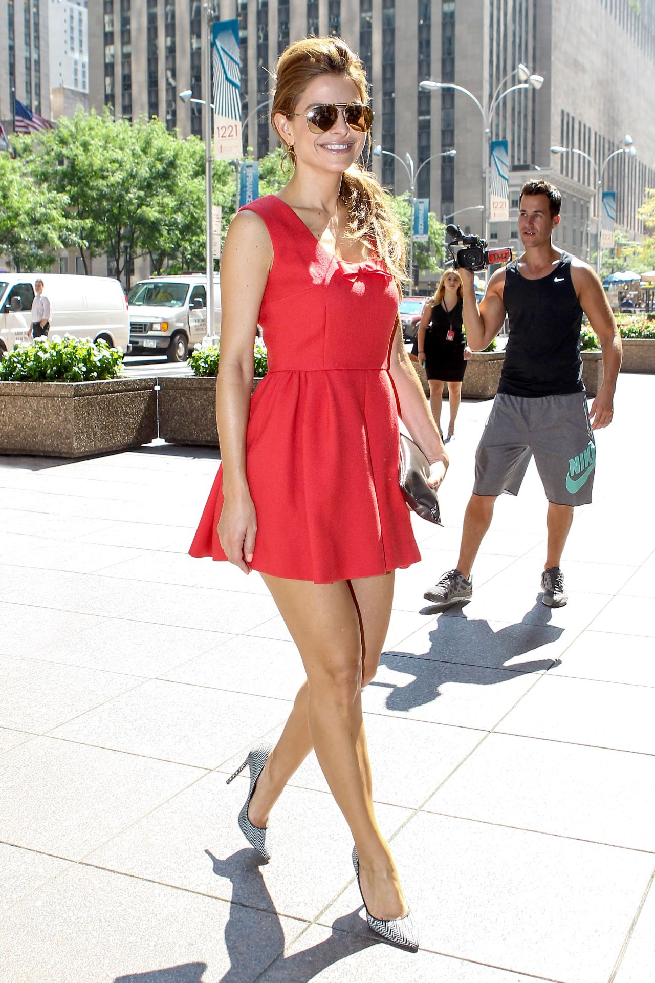 Maria Menounos Hot In Red Dress Siriusxm In New York