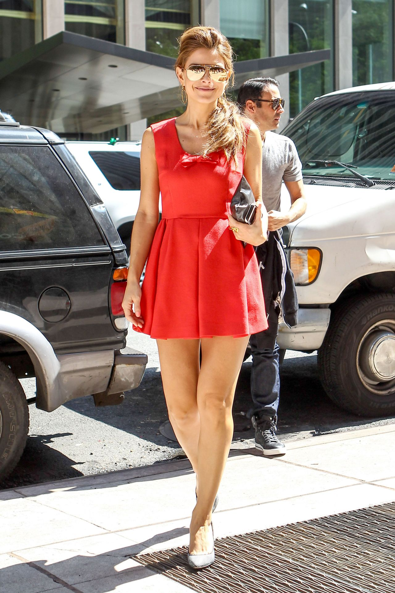 Maria Menounos Hot In Red Dress Siriusxm In New York
