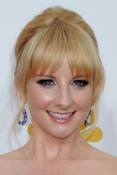 melissa-rauch-2014-primetime-emmy-awards-in-los-angeles_10
