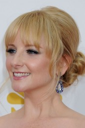 melissa-rauch-2014-primetime-emmy-awards-in-los-angeles_13