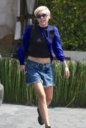 Miley Cyrus Street Style - Lunch at Kiwami Sushi With a Friend in Studio City