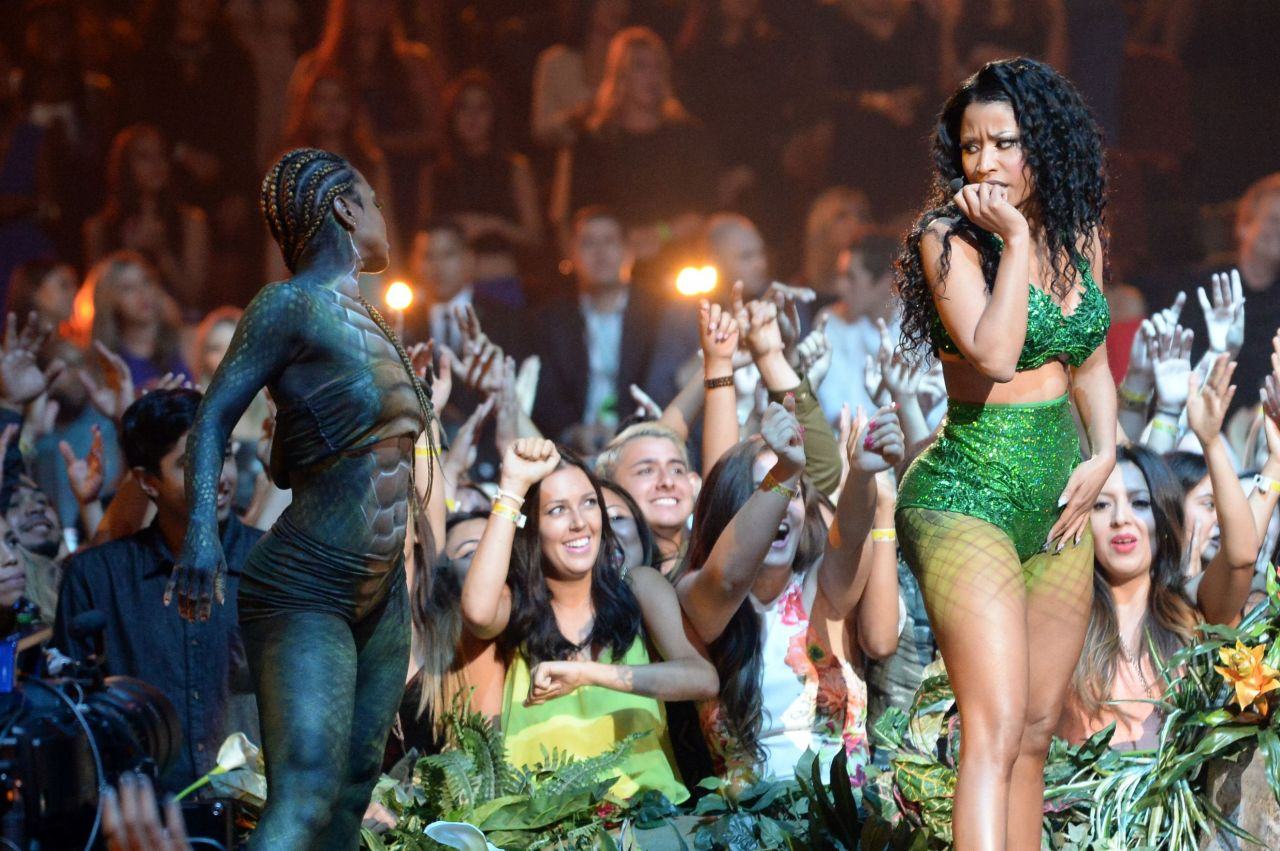 Nicki Minaj Performs at 2014 MTV Video Music Awards