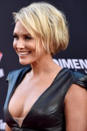 Nicky Whelan – 'Sin City A Dame To Kill For' Premiere in Los Angeles