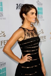 nikki-reed-beyond-hunger-gala-august-2014_10