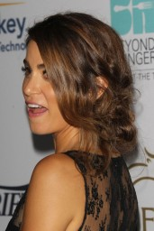 nikki-reed-beyond-hunger-gala-august-2014_3