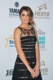 nikki-reed-beyond-hunger-gala-august-2014_4