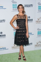 nikki-reed-beyond-hunger-gala-august-2014_5