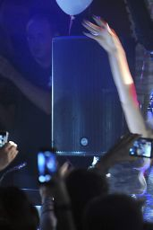 Paris Hilton DJ