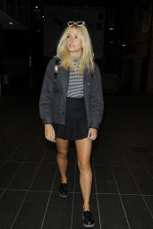 Pixie Lott - Leaves Pandora in Oxford Street in London - August 2014