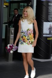 Pixie Lott - Outside BBC studios at Media City in Manchester - August 2014
