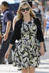 Reese Witherspoon – Goes Out Shopping in Beverly Hills – August 2014