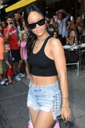 Rihanna in Cutoffs - Leaving Da Silvano in New York City - August 2014