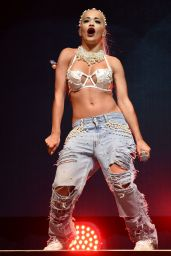 Rita Ora Performs at V Festival at Hylands Park – August 2014