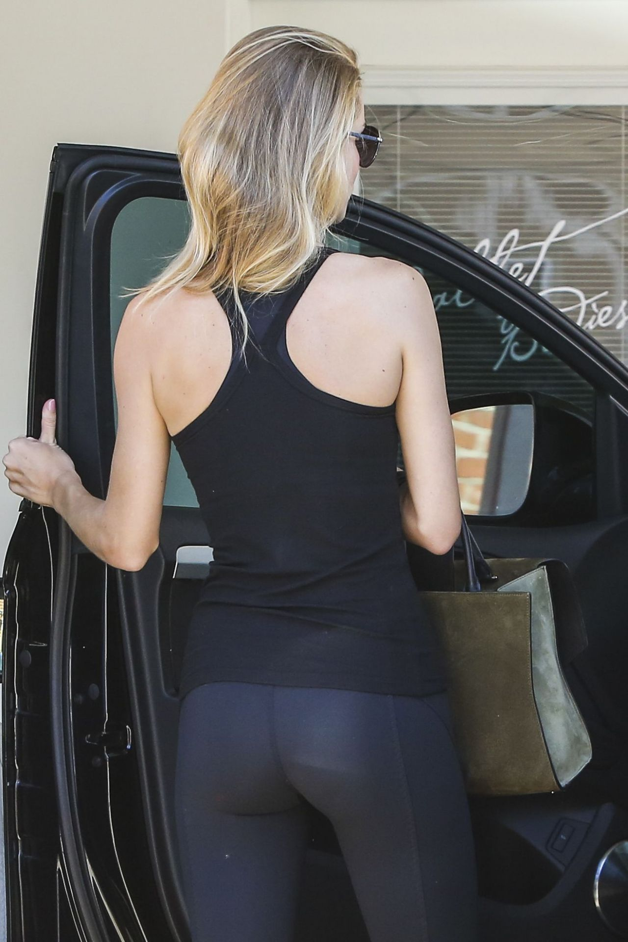 Rosie Huntington-Whiteley Booty in Tights at a Gym in West Hollywood - August 2014