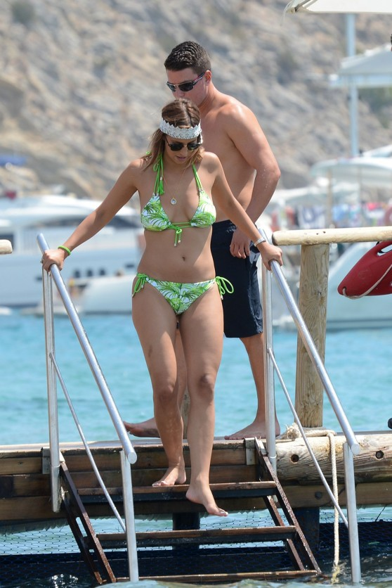 sam-faiers-ferne-mccann-bikini-fun-in-ibiza-august-2014_8