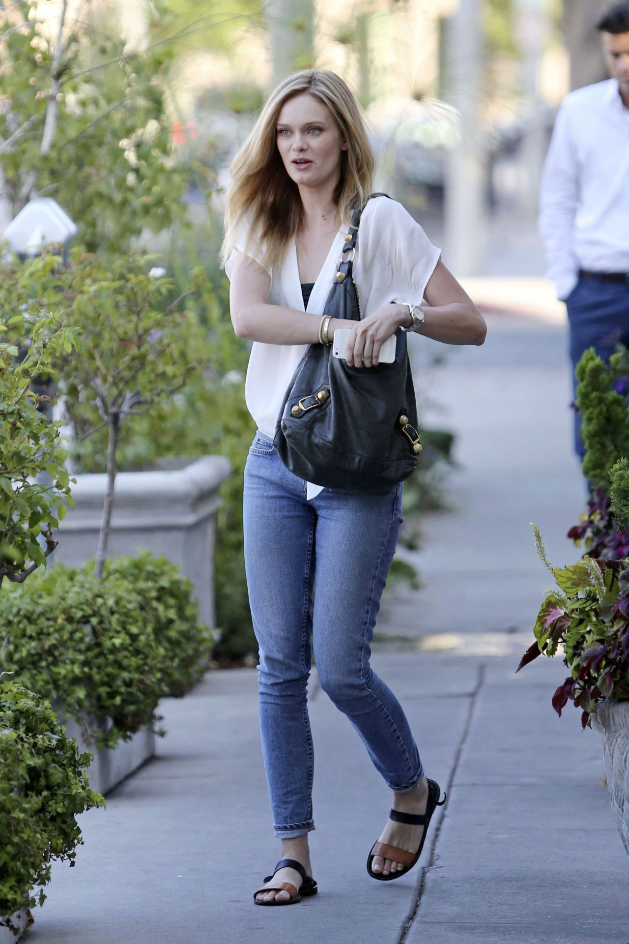 Sara Paxton Leaving Ken Paves Salon In West Hollywood