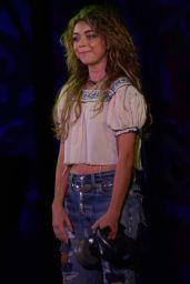 Sarah Hyland Performs