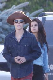 Selena Gomez & Justin Bieber - Horseback Riding in Canada - August 2014
