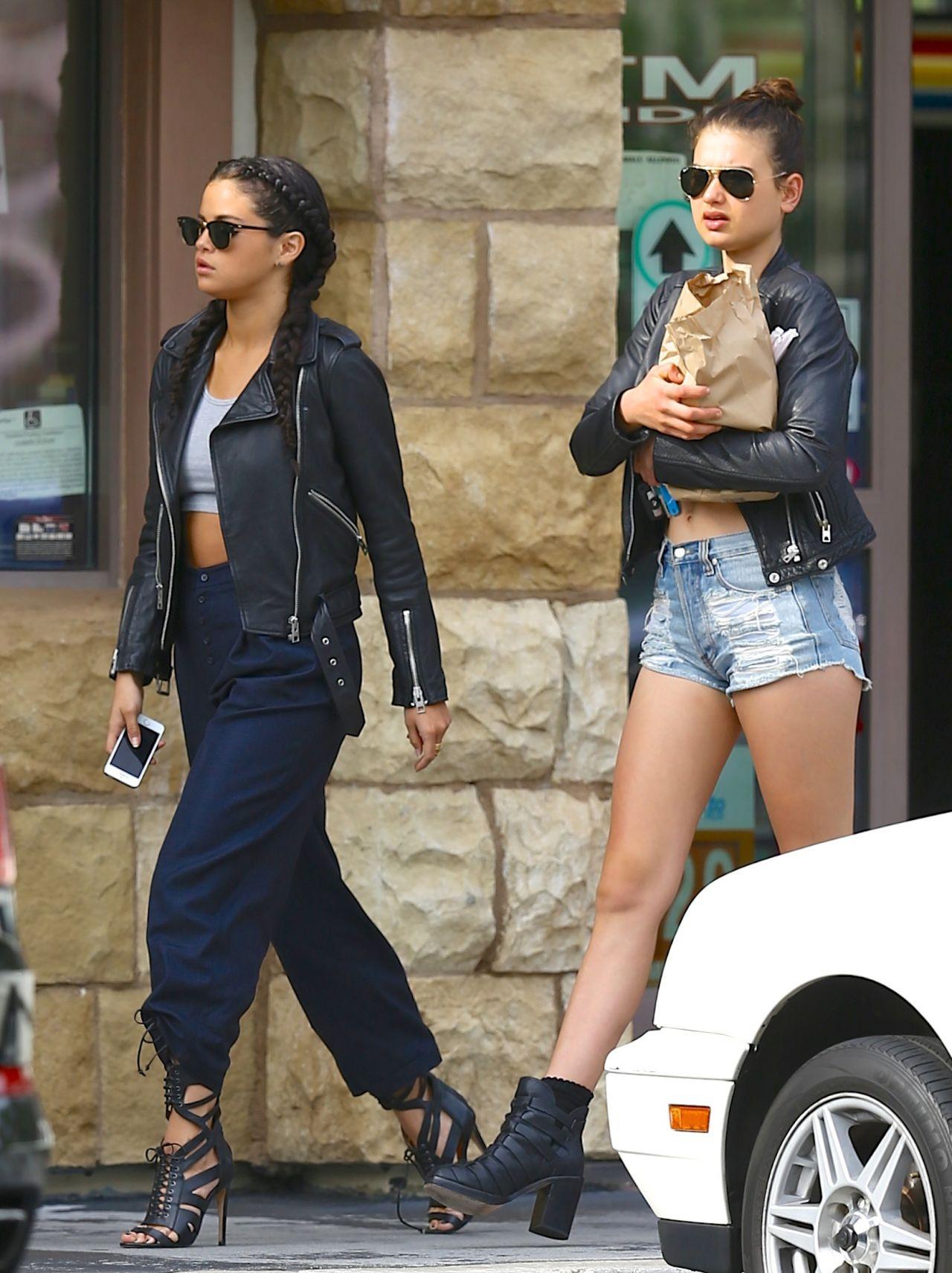 Selena Gomez Street Style Out In La August 2014
