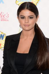Selena Gomez – Teen Choice Awards 2014 in Los Angeles