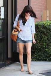 Selma Blair Shows Off Her Slender Legs - Shopping For New Sunglasses in Studio City