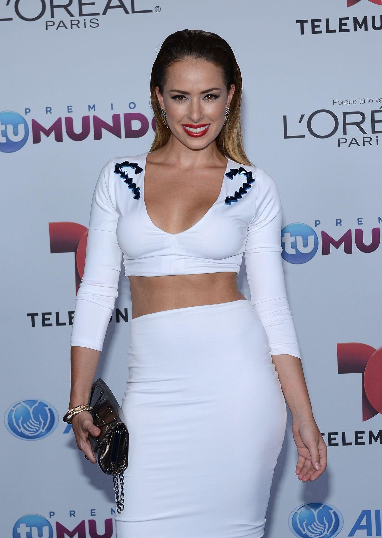 Sofia Lama – 2014 Telemundo's Premios Tu Mundo Awards