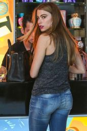 Sofia Vergara Boty in Jeans - Out in West Hollywood, August 2014