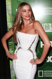 sofia-vergara-fox-fx-national-geographic-emmy-2014-party-in-los-angeles_4