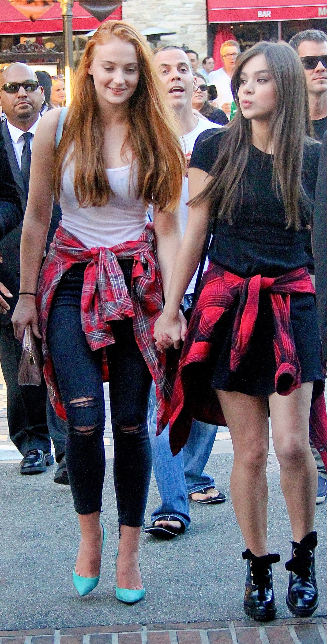 Sophie Turner and Hailee Steinfeld -