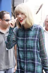 Taylor Swift in a Shirt Dress - Out in New York City - August 2014