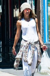 Vanessa Hudgens - Getting Lunch in Studio City - August 2014