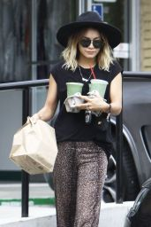 Vanessa Hudgens Street Style - Picking up Food in Studio City, August 2014